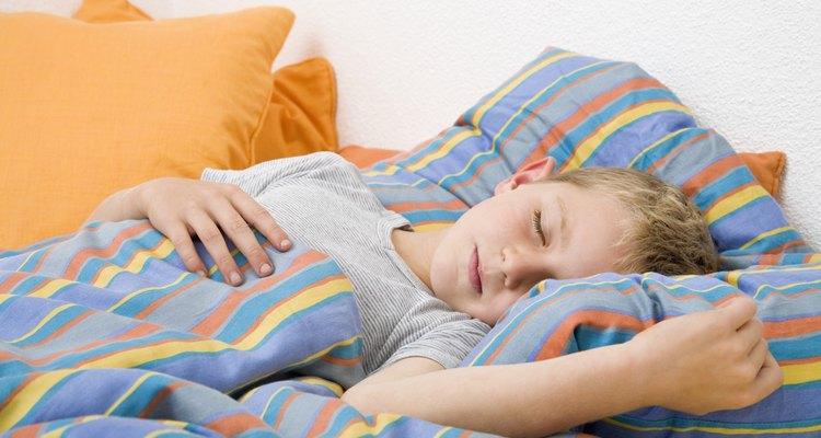 Uma cama auxiliar é uma ótima maneira de criar uma cama para visitas