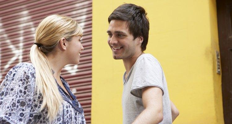 El tiempo desperdiciado con un novio fóbico al compromiso puede ser aprovechado en conocer a alguien especial que tiene las mismas metas amorosas que tu.