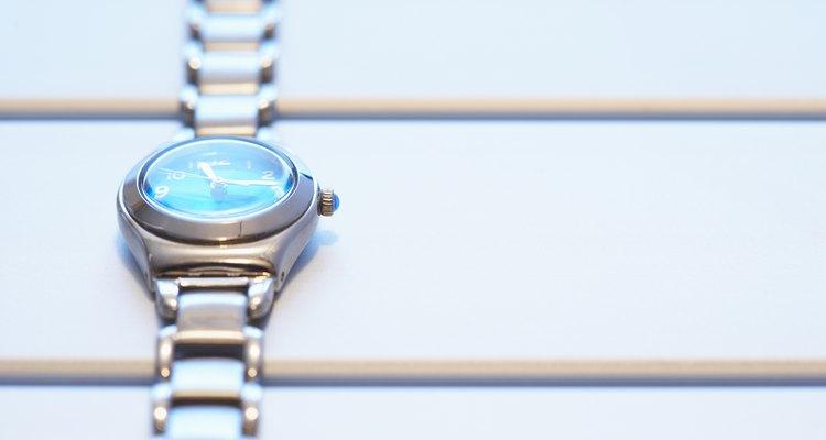 Remova a umidade do seu relógio de pulso causada por danos pela água