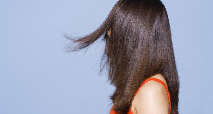 Mesmo se o seu cabelo for reto, você pode facilmente virar as pontas para fora