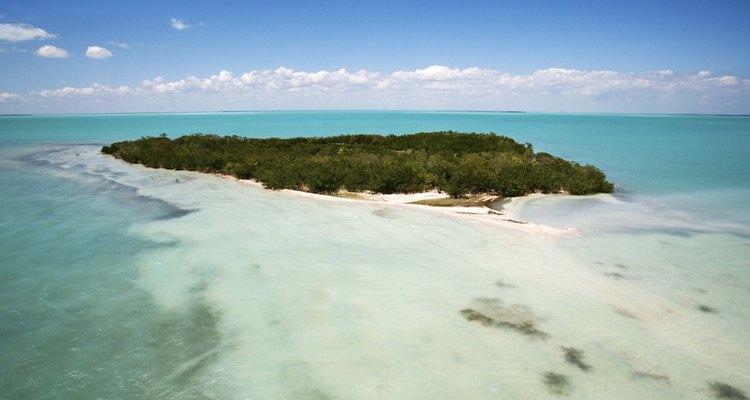 Muchas islas pequeñas en los cayos ofrecen campamentos en la playa o cerca de esta.