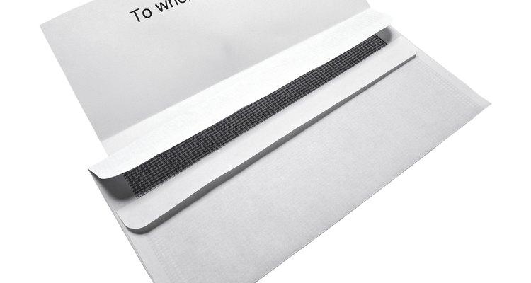 Las máquinas para doblar papel disminuyen el tiempo y permiten la eficiencia.