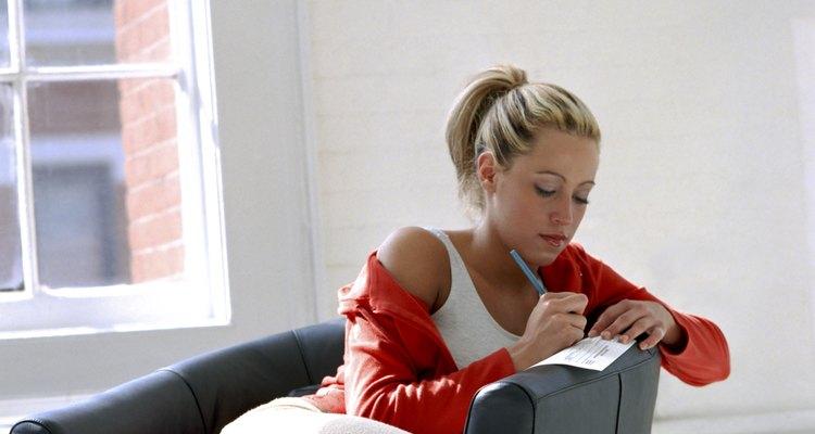 Escrever seus sentimentos pode ajudá-la a compreender como eles nascem