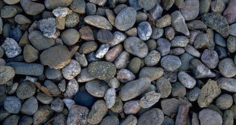 Las láminas de piedra de río vienen en diversos tamaños, para acomodarse a diferentes tamaños de piedras.