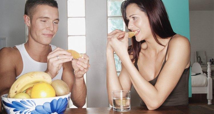 Frutas, como a banana, contêm vitamina B-6