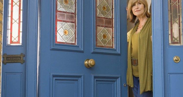 La colocación de burletes en tus puertas de exterior también mantienen evitan que entre polvo.