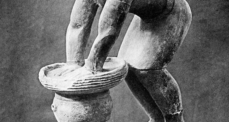 Las estatuas antiguas de cerveceros se han descubierto en Egipto.