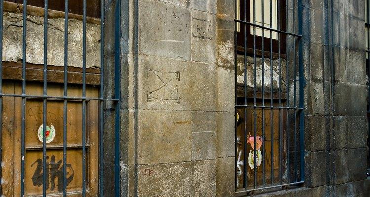 Es importante seguir las instrucciones de los protectores de ventanas que compras para asegurarte de que funcionen correctamente.