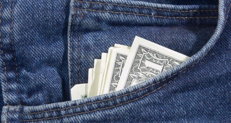 Poupe seu dinheiro ajustando seu jeans você mesmo.