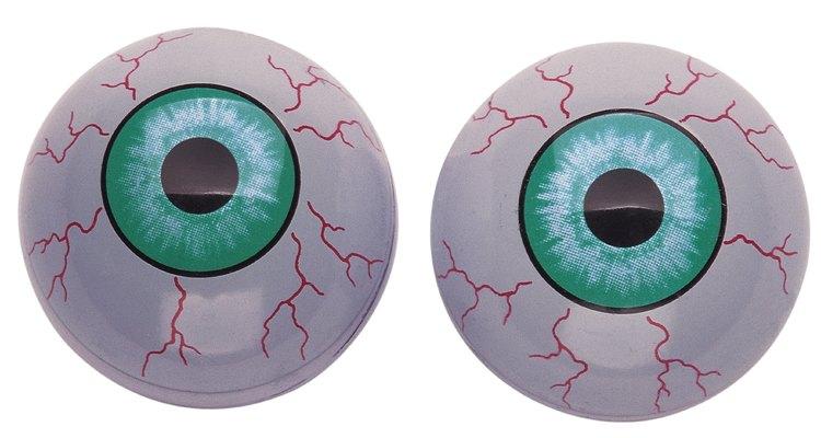 Um olho humano possui aproximadamente 2,5 cm de diâmetro e pesa cerca de 7,5 g
