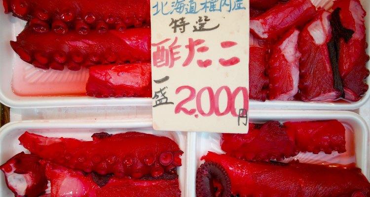 Busca una textura firme, una carne brillante y un olor a mar cuando selecciones tentáculos frescos.
