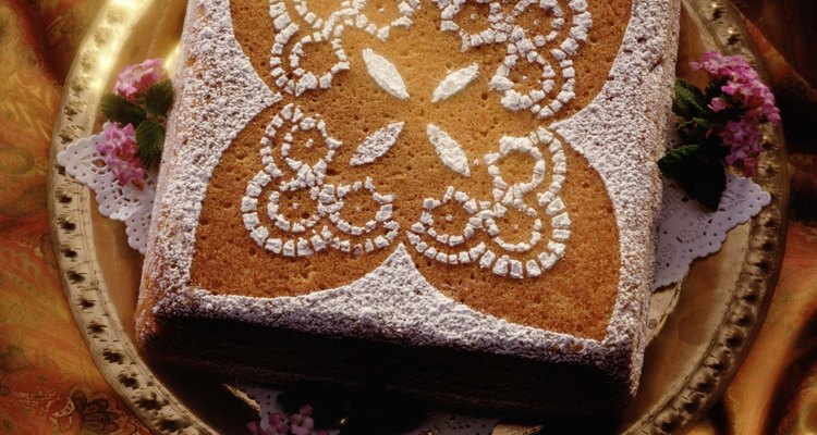 Dust your cake with confectioners sugar for a simple yet beautiful presentation.
