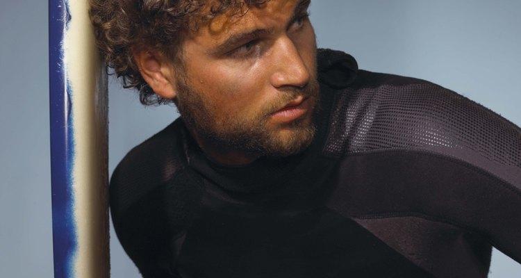 Los trajes impermeables a menudo están hechos de neopreno.