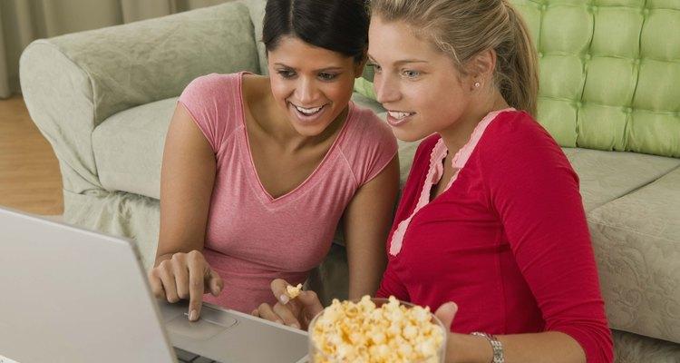 Modifique as configurações do Facebook para alterar quem pode lhe enviar sugestões de amizade