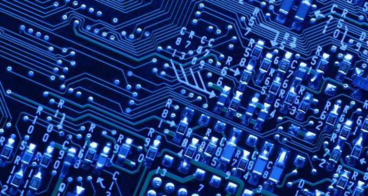 Saiba os componentes essenciais de um computador