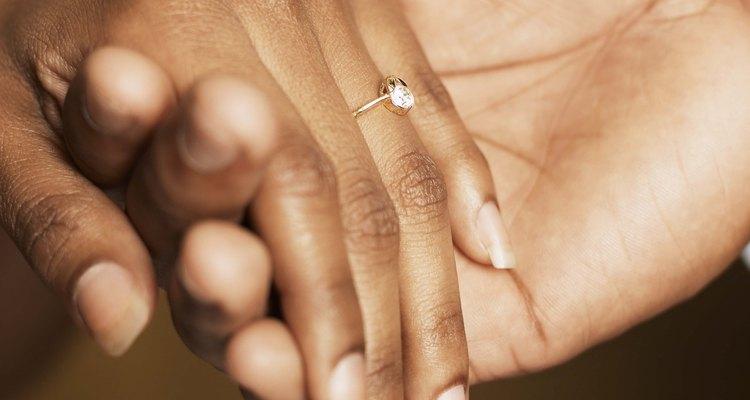 Elegir un anillo de compromiso es sólo el comienzo de tu viaje.