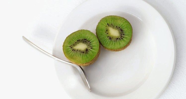 Kiwi fatiado em um prato