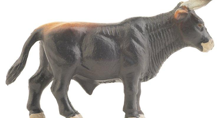 La corrida de toro tiene lugar en julio en Pamplona, España.