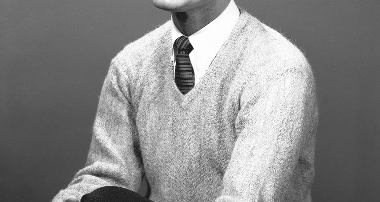 Los estilos de los hombres en los 50 comenzaron a ver un empujón de la conformidad.
