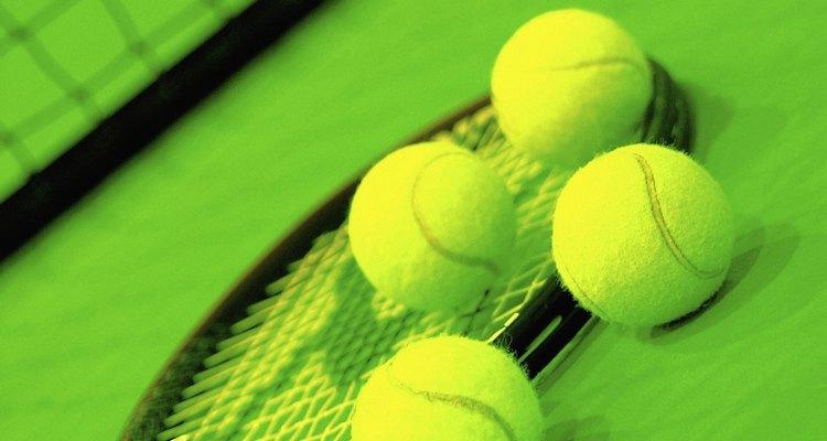 Las pelotas de tenis en la secadora mantienen la guata en su lugar.