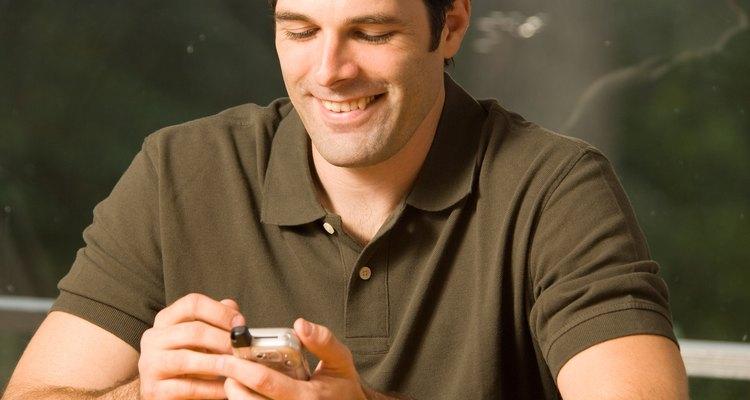 O envio de uma mensagem de um número restrito não é completamente anônimo.