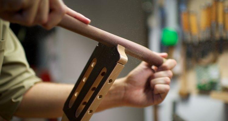 O trabalho na madeira é fácil de ser realizado, mas requer paciência