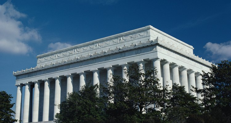 The Lincoln Memorial is an example of the Doric order.