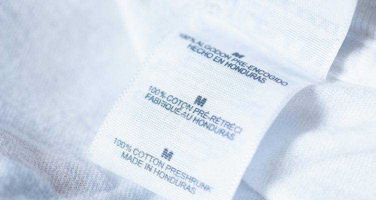 Use procion dye to dye cotton T-shirts.