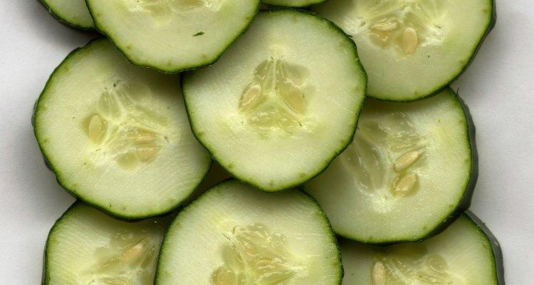 Existe un debate sobre si el pepino causa o alivia la gastritis.
