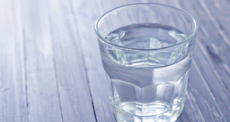 O excesso de uma substância na água não se dissolverá mais