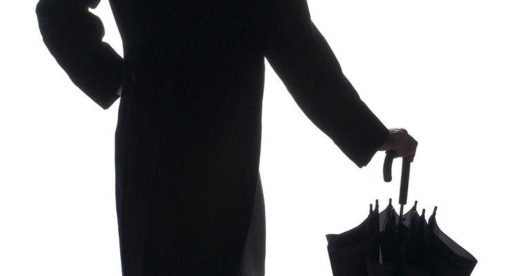Los esmoquin de la década de 1960 empezaron siendo formales y con colas.