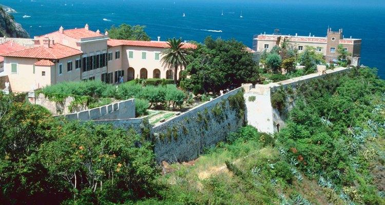 El estuco es un exterior común para las casas de estilo renacentista italiano.