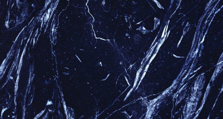 O mármore sintético é projetado para ter as mesmas características do mármore natural