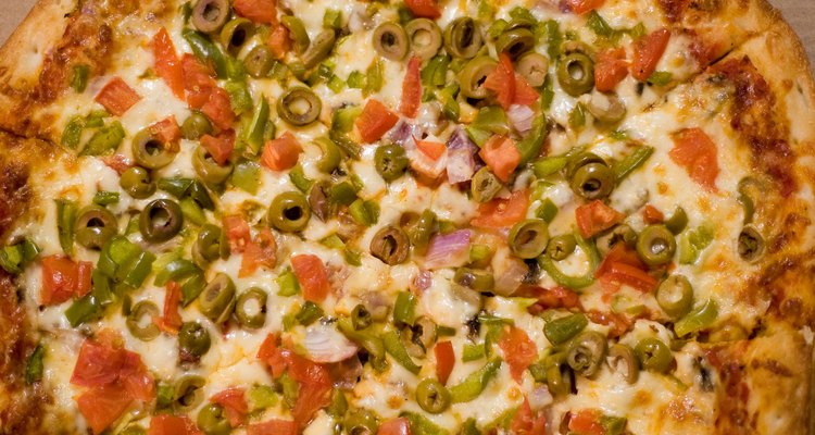 La pizza recalentada se convierte en un sabroso almuerzo al día siguiente.