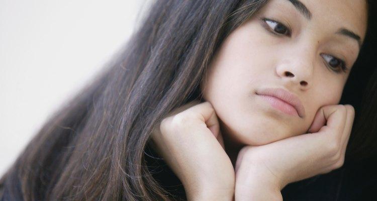 Los adolescentes experimentan aumento de la inseguridad emocional a medida que tratan de crecer.