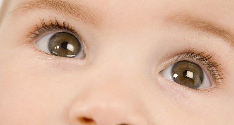Os pais muitas vezes se surpreendem com a cor dos olhos de seu bebê