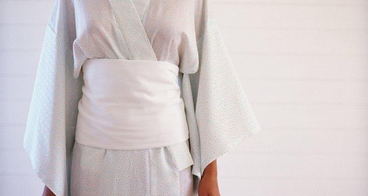 El kimono Obi es una fuente de inspiración para llevar una faja a la cintura.