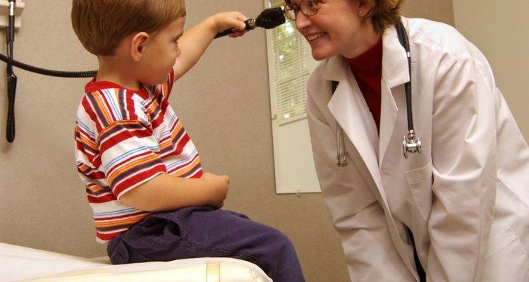 Los pediatras utilizan marcadores de hitos para controlar el desarrollo de tu hijo.