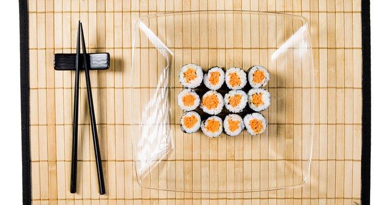 Una esterilla para sushi puede ser una divertida manualidad para hacer.