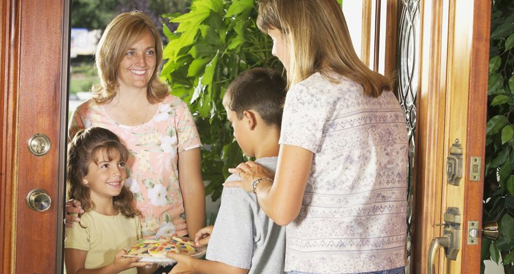 Conocer a tus vecinos puede ayudar a prevenir los conflictos.