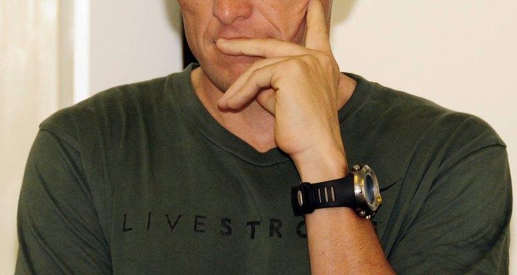 Lance Armstrong foi adotado por seu padrasto e nunca demonstrou interesse em conhecer seu pai biológico