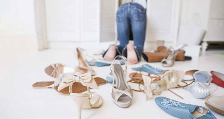 Saca del closet todas las posibilidades de zapatos.