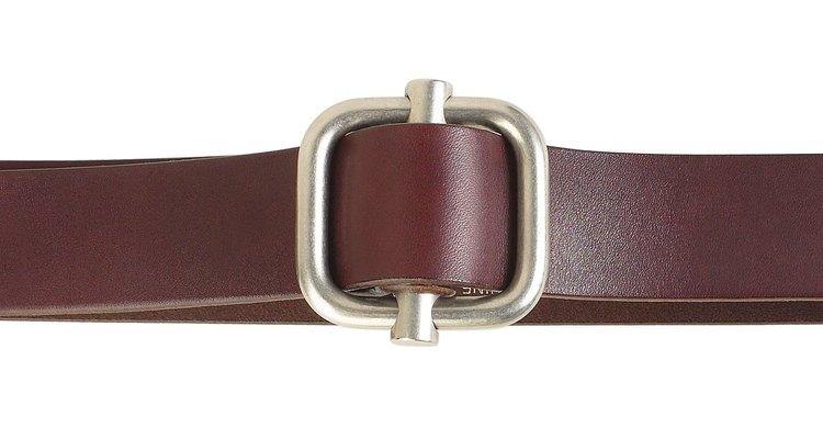 Al modificar un cinturón de cuero conseguirás un ajuste personalizado.