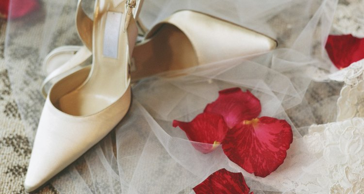 Learn how to make scented shoe stuffers with the perfume of your choice.