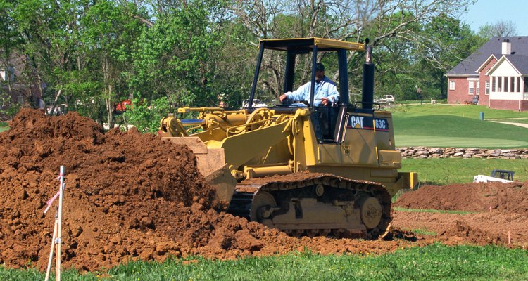 Un relleno de escombros se compone principalmente de piedra y roca en lugar de tierra fértil.