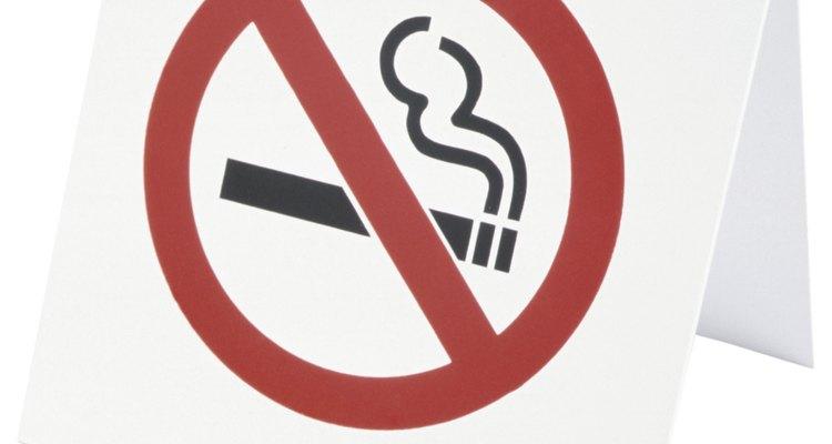 A melhor forma de eliminar as manchas amarelas é parar de fumar