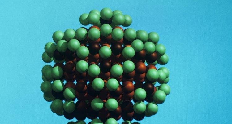 Elétrons são partículas negativamente carregadas existentes em qualquer átomo