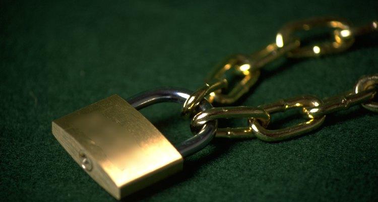 Se você esqueceu a combinação ou senha de um cadeado MasterLock, em certos casos, pode-se obtê-la com o fabricante