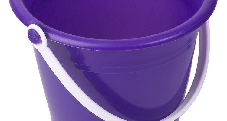 Muitos itens do dia a dia são feitos de poliestireno ou poliuretano