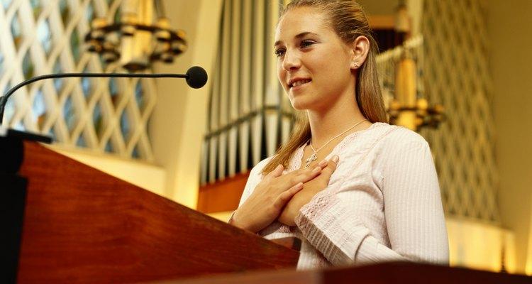 En bachillerato tu hija debería de ser capaz de hablar frente a un grupo, como en un discurso.